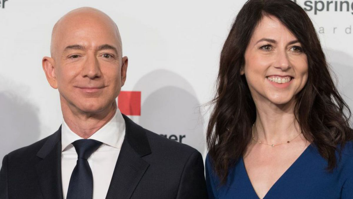 Cine este MacKenzie Scott, noua cea mai bogată femeie din lume