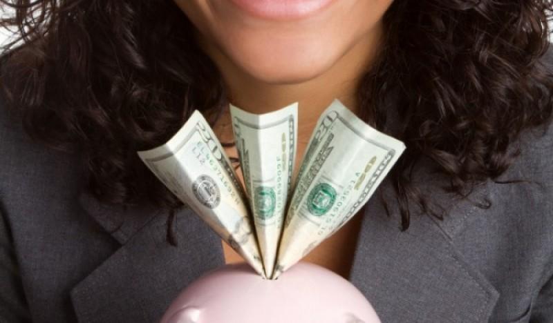 cheltuiesc bani - Traducere în engleză - exemple în română | Reverso Context