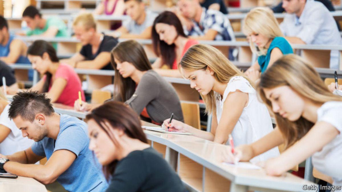 face bani pentru studenți