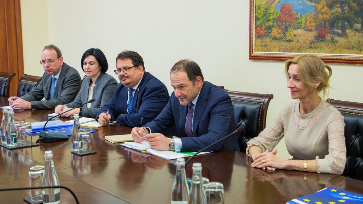 Чиновник ЕС: У властей Кишинева было достаточно времени, чтобы расследовать кражу миллиарда