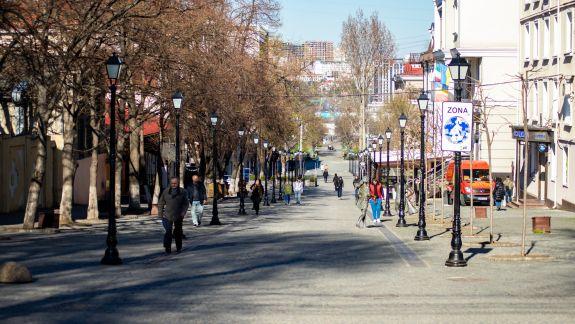 Nici pandemia nu-i convinge pe moldoveni: Cum arată capitala după declararea Codului Roșu de coronavirus (GALERIE FOTO)