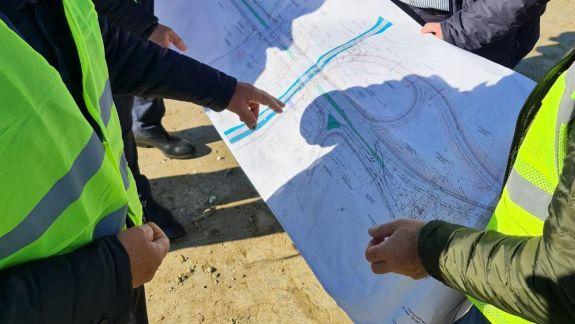 Lucrările de construcție a podului peste râul Bîc și pasajului peste calea ferată pe drumul național M1 vor fi încheiate până la sfârșitul anului