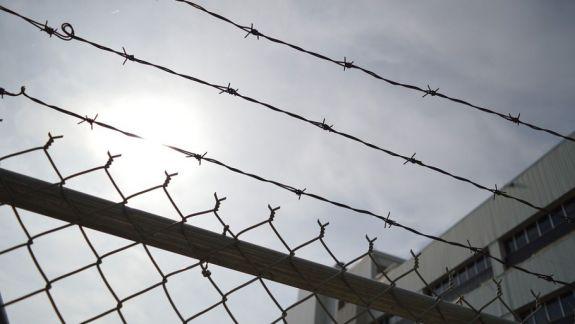 """""""Prison break"""", variantă reinterpretată de doi deținuți moldoveni. Cum au încercat să evadeze din pușcărie"""