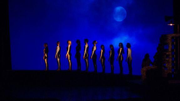 Ei nu se odihnesc nici de sărbători! Ce spectacole vezi în primele zile din 2020 la Teatrul Mihai Eminescu