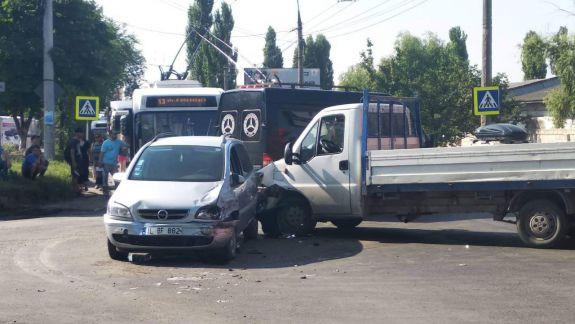 Accident mortal la Chișinău. O femeie a decedat, după ce a fost lovită pe trecerea de pietoni