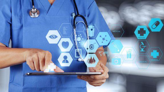 CNAM și instituțiile medicale ar putea fi obligate să publice toate rapoartele, deciziile și contractele pe care le semnează