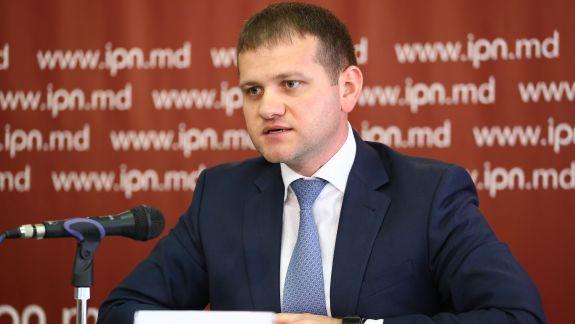 """Cererea lui Munteanu privind sancționarea lui Năstase, respinsă. """"O mostră de protejare a unui concurent electoral aflat la guvernare"""""""