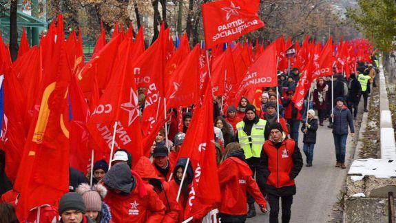 Cine dă mai mult – socialiștii sau poliția? Câți oameni au participat la miting PSRM