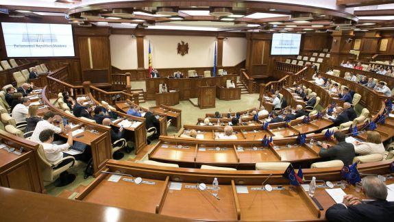 Două deputate cer eliminarea Partidului Șor. Solicitarea, înmânată Ministerului Justiției