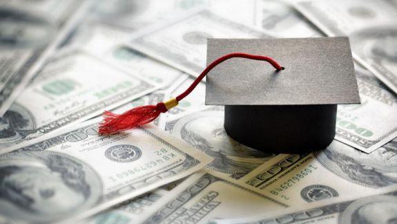 """Elevii și studenții moldoveni vor putea primi lecții de educație financiară. BNM cheamă tinerii să afle care este """"Drumul banului"""""""