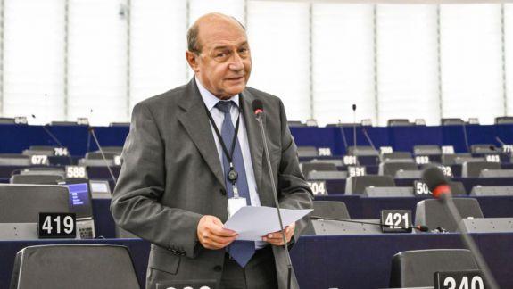 """Traian Băsescu denunță Pactul Ribbentrop-Molotov în Parlamentul European: """"România trăiește încă după voința lui Hitler și Stalin"""""""