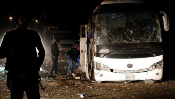 Explozie lângă piramidele din Giza. Bomba a detonat în apropierea unui autobuz plin cu turiști