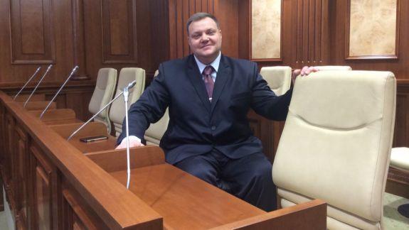 Fost deputat comunist și ex-ministru numit de PDM, ales șef al fracțiunii PSRM în CMC