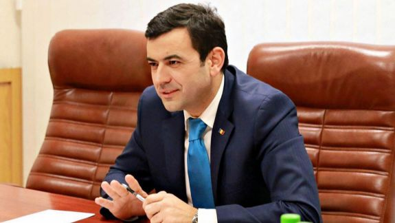 """Gaburici, la raport în fața deputaților. Comisia de anchetă organizează noi audieri pe marginea privatizării """"Air Moldova"""" (LIVE)"""