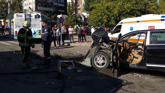 A fost creată Linia Fierbinte. Cetățenii pot oferi sau primi informații despre accidentul rutier de pe strada Alba Iulia din Chișinău