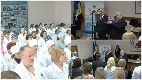 Igor Dodon a conferit Ordinul de Onoare unui spital din capitală