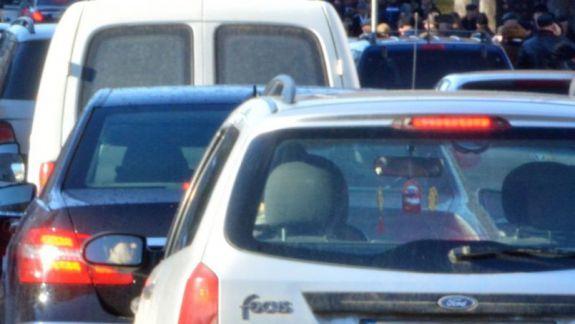 InfoTrafic: Șoferii sunt rugați să conducă atent. Străzile pe care trebuie să le eviți