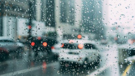 Meteo: Astăzi va ploua pe întreg teritoriul țării. Vremea se va răci în următoarele zile