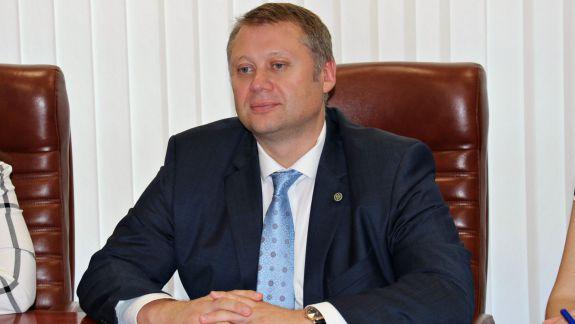 """Ministrul Economiei: """"Când aterizez în Moldova, am impresia că nimeresc în țara lui James Bond și Mata Hari"""" (FOCUS)"""