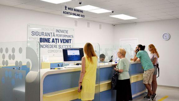Doar câteva dintre beneficiile noii agenții Moldindconbank, deschise recent la Botanica