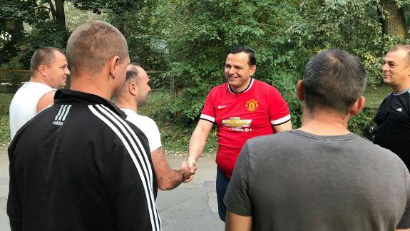 """Năstase calcă pe urmele lui Jizdan? """"Am renunțat la costum și la cravată... Sport, la Vadul lui Vodă"""" (FOTO)"""