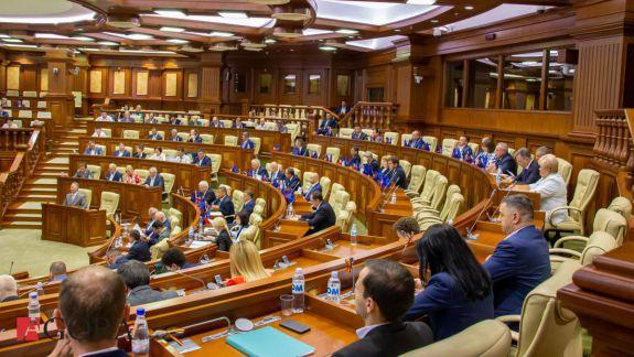 Previziunile deputaților: Ce schimbări pe arena politică ne pregătește anul 2020 (VIDEO)