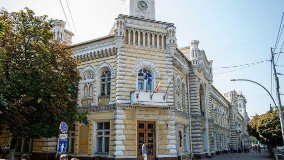 Din a doua încercare. Primăria Chișinău s-a ales cu trei noi viceprimari