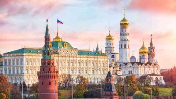 """Putin nu se grăbește să-l felicite pe Zelenski, iar Medvedev vede """"o şansă"""" a unor relaţii mai bune cu Kievul"""
