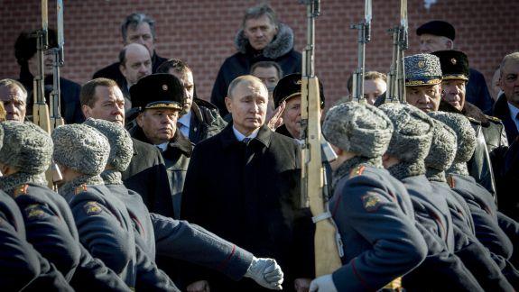 Putin vrea ca Rusia să rămână lider pe piaţa globală de armament. A cerut acțiuni de la autoritățile de resort