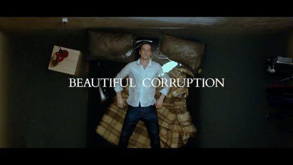 """Regizorul """"Beautiful Corruption"""" oferă acces liber la filmul său, din cauza situației politice din țară: """"Sper să trezească întrebări în capul spectatorului"""""""