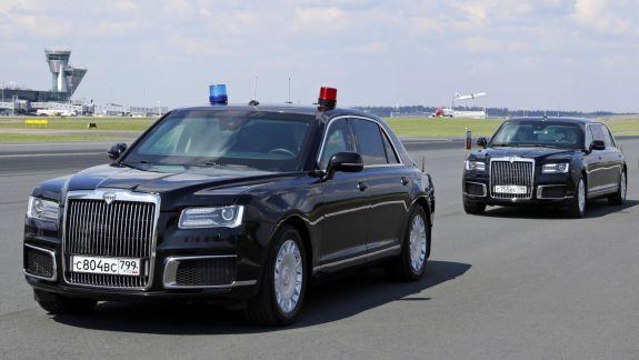 Rusia a început să vândă limuzine similare cu cele utilizate de Vladimir Putin