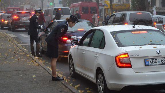 Stop alcool la volan! Viitorii polițiști au ieșit în stradă să informeze șoferii despre riscurile consumului de alcool (FOTO)