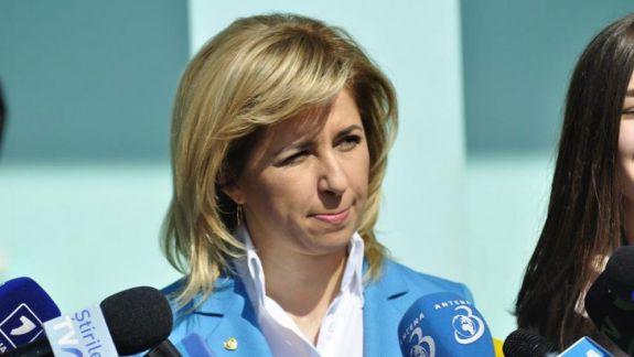 Un grup de deputați găgăuzi, apropiați PD-ului, o acuză pe Irina Vlah de exces de putere