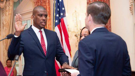 VIDEO. Noul ambasador al SUA a sosit la Chișinău. A venit cu un mesaj de salut în limba română