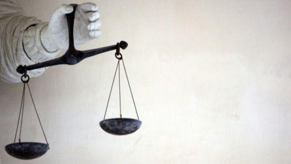 Zece foști magistrați explică de ce nu sunt de acord cu interpretarea CC că trei luni sunt egale cu 90 de zile (DOC)