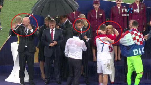 """FOTO. """"Faza umbrelei"""" de la Mondial sau cum Putin """"a furat"""" show-ul de final al Campionatului"""