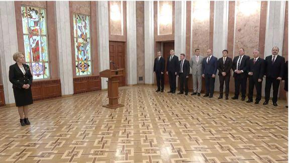 În mai puțin de 24 de ore. Guvernul Chicu a depus jurământul în fața lui Igor Dodon