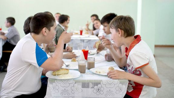 LISTA companiilor favorizate la achizițiile de alimente pentru școlile și grădinițele din Capitală