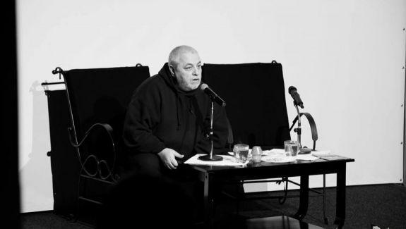 """Regizorul de teatru Ion Sapdaru: """"Veniți la teatru ca să vă găsiți salvarea"""". Un interviu din culisele spectacolului """"Falstaff"""""""