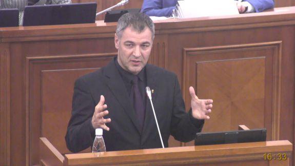 """Țîcu: """"Deputații sunt amenințați să nu semneze pentru o comisie de investigare a trădării de patrie"""". Deputații Blocului ACUM: """"Este o aberație. Nu există presiuni"""" (VIDEO)"""